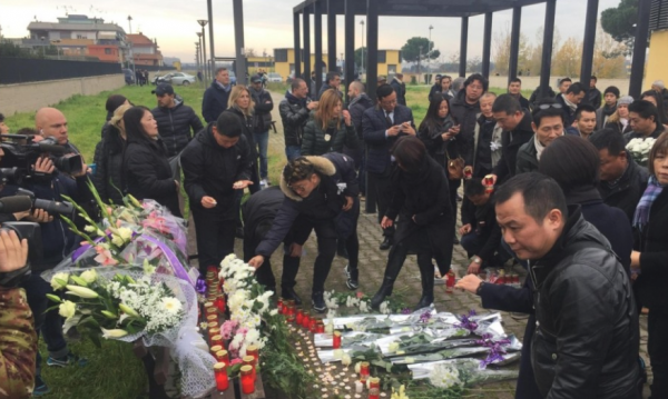 Mourners pay tribute to Chinese student Zhang Yao who was studying in Rome when she was apparently hit by a train.