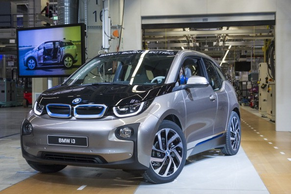 BMW 2017 i3 will have a new battery to increase its range beyond 180 miles.