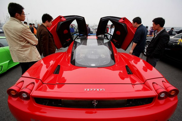 The Ministry of Finance has introduced a 10% tax law for luxury vehicles that is to take effect on Thursday.