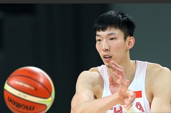Xinjiang Flying Tigers center Zhou Qi