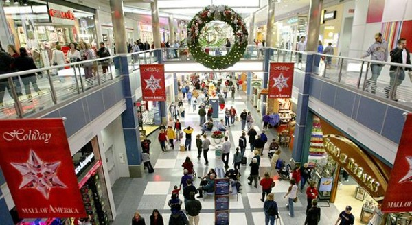 Mall of America, the nation's largest mall, wants to attract more Chinese shoppers.