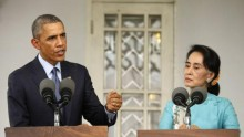 U.S. President Barack Obama and opposition politician Aung San Suu Kyi hold a press conference after their meeting at her residence in Yangon, November 14, 2014.