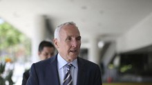 Former Los Angeles Dodgers owner Frank McCourt testifies in baseball fan beating