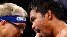 Freddie Roach (L) and Manny Pacquiao