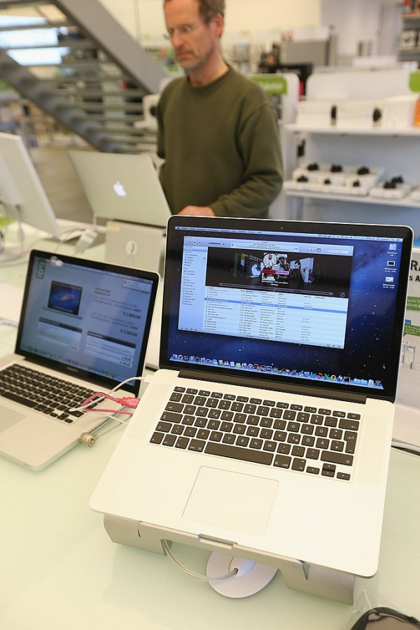 Apple MacBook Pro 2016 to Replace MacBook Air: Updated Reports on Release Date, Specs, Features ...