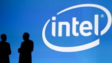 Intel is closing down its Atom division and finally surrenders its plans for the smartphone and tablet market.